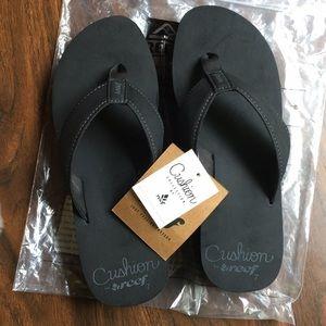 reef brand, black flip flops
